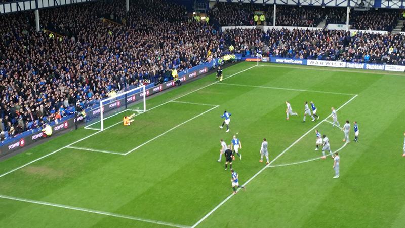 Lukaku scores a penalty against Newcastle in the Premier League