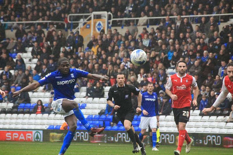 Clayton Donaldson shoots for birmingham against rotherham at st andrews in the championship