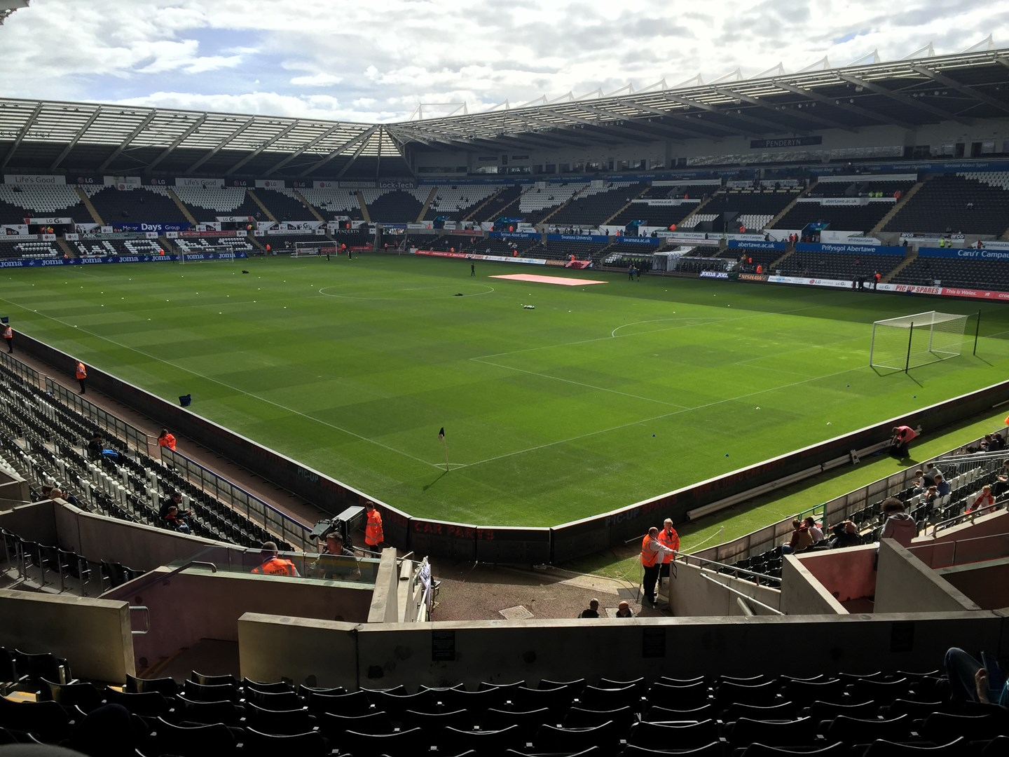 the liberty stadium swansea